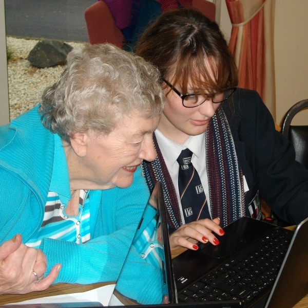 Through the project, young people are  supporting older people to learn digital skills